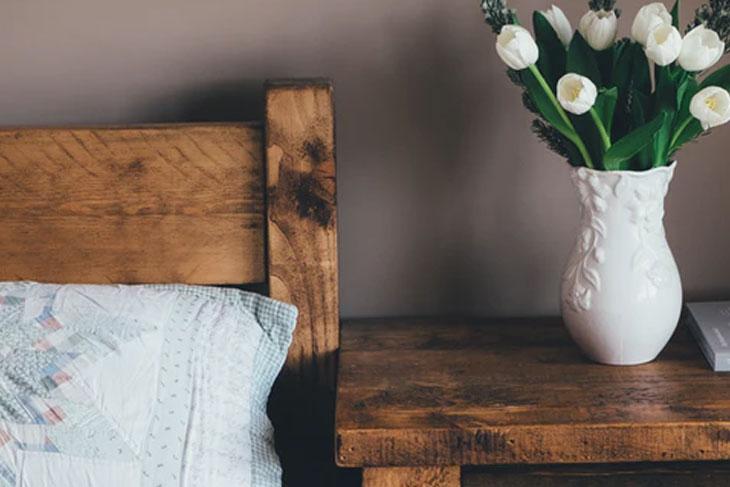 post billede 7 lette gør det selv møbel idéer til lavpris Hjemmelavet sengegavl - 7 lette gør-det-selv møbel-idéer til lavpris