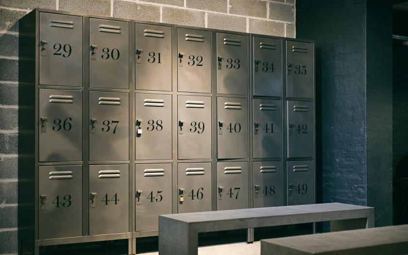 jan laugesen 4UbSaPKGRqc unsplash 840x525 - Sådan vælger du de rette lockers