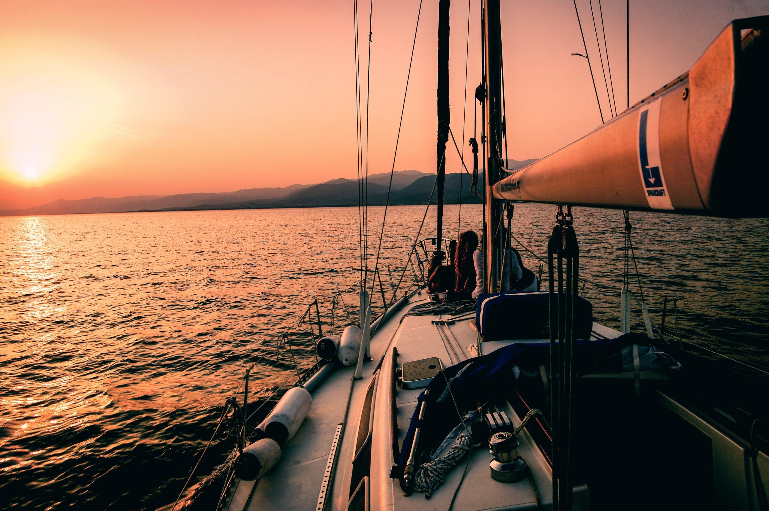 markos mant 0nKRq0IknHw unsplash scaled - Søger du bådudstyr?