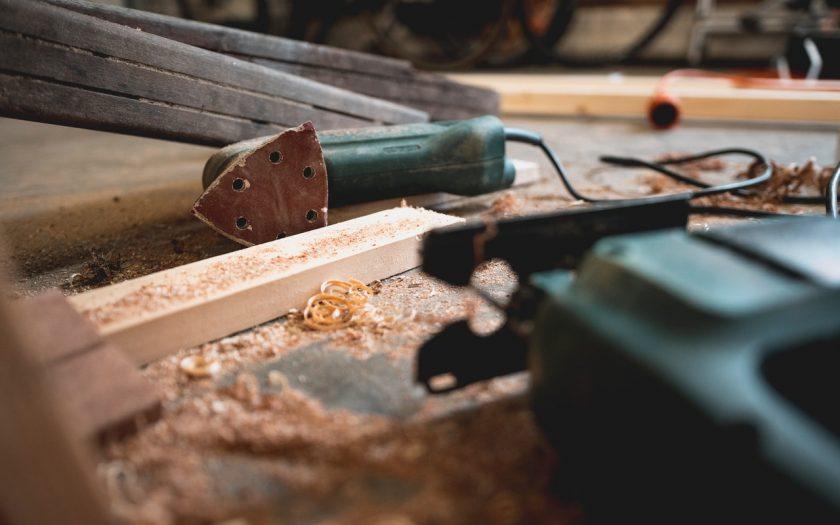 pexels thijs van der weide 1094770 840x525 - Guide: Find den rigtige borehammer
