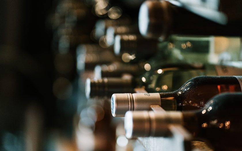 hermes rivera aK6WGqxyHFw unsplash 840x525 - Opbevar din vin på rette vis