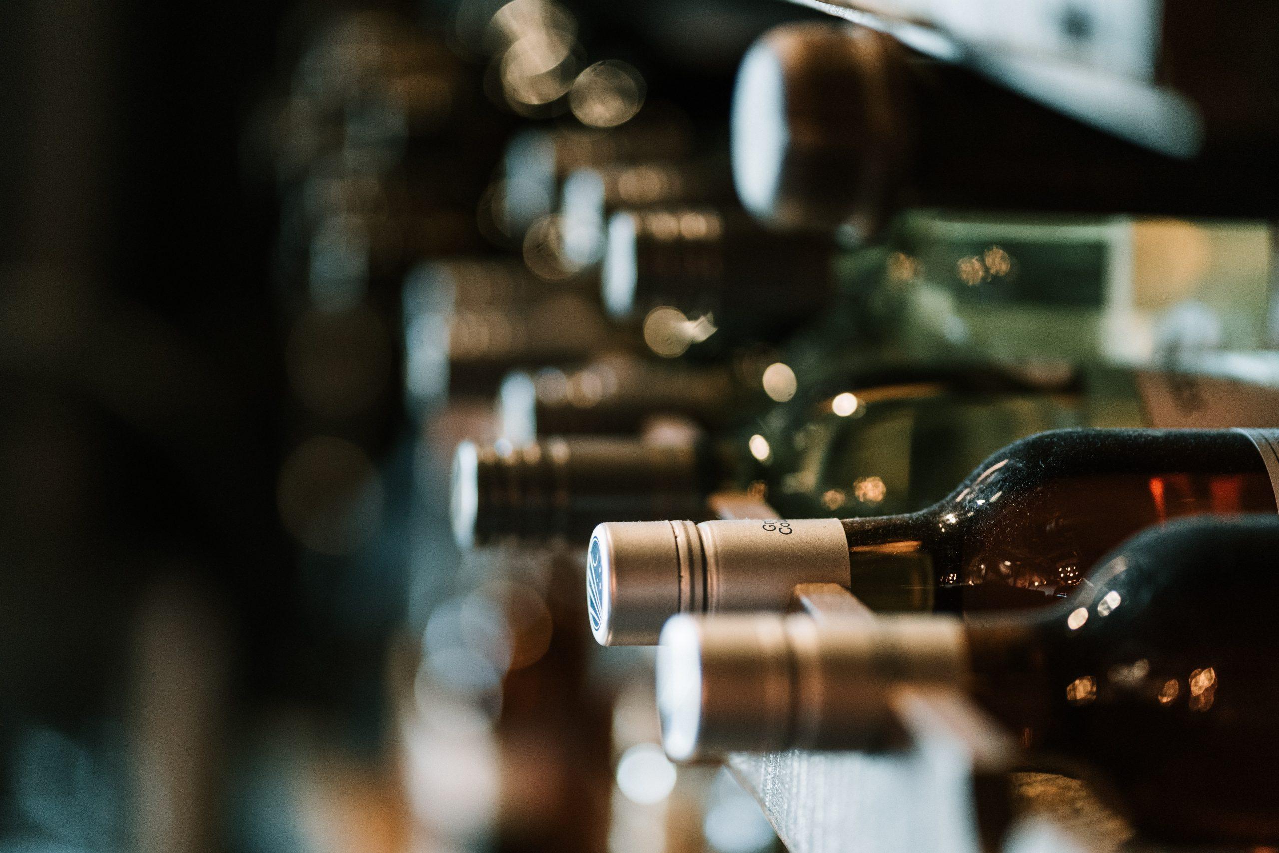 hermes rivera aK6WGqxyHFw unsplash scaled - Opbevar din vin på rette vis