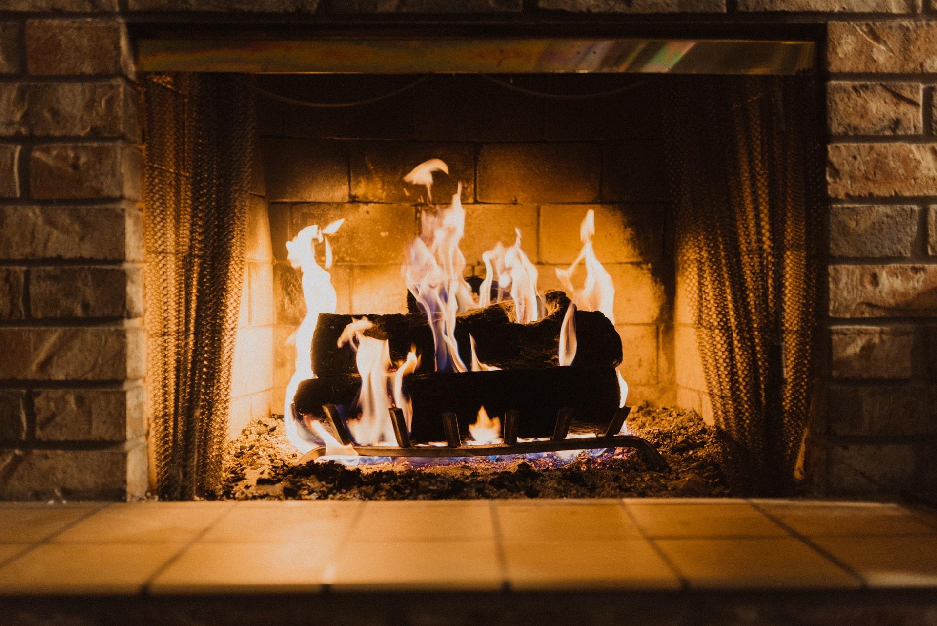 hayden scott lyTgIeUBOUE unsplash - Hvilken varmekilde er bedst til mit hjem?