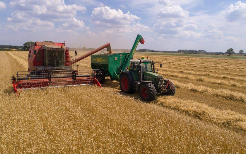 heiko janowski XLmWt913EOc unsplash 840x525 - Inspektionstips før køb af en brugt traktor