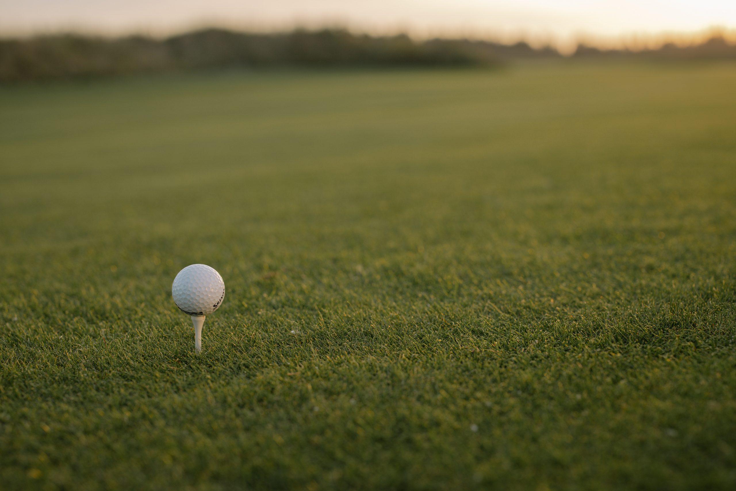 pexels cottonbro 6256836 scaled - Spil golf med omtanke