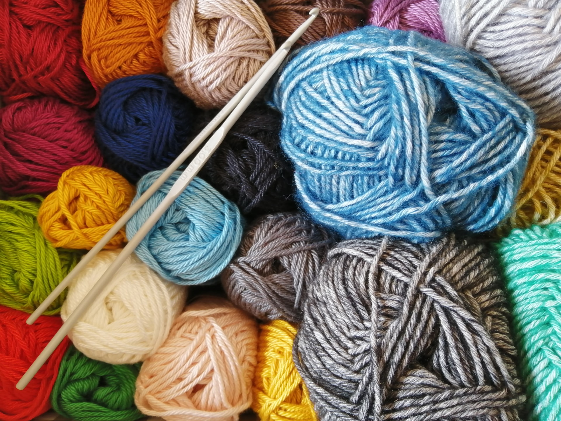 margarida afonso ahMCpXdUjv0 unsplash - Find inspirerende strikkeopskrifter hos Englegarn